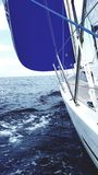 Закодируйте zero тип ветрило Генуи на яхте Стоковые Фотографии RF