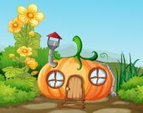 Заколдованный дом тыквы в природе бесплатная иллюстрация