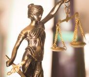 Законная статуя юридической фирмы Стоковое фото RF