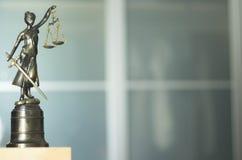 Законная статуя юридической фирмы Стоковое Изображение