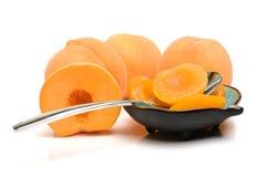 Законсервированные половины персика в шаре Стоковые Изображения