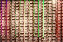 Законсервированные сардины в консервных банках в городе Лиссабона Porgu стоковая фотография
