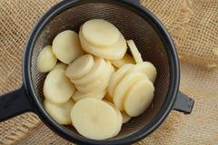Законсервированные siced картошки стоковые фотографии rf
