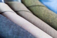 Законченные куртки в портняжничать atelier Стоковое Изображение