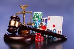 Закон и играя в азартные игры деньги Стоковое Изображение RF