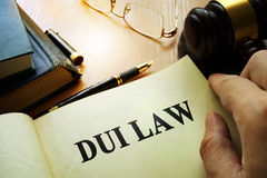 Закон DUI управляющ влиянием вниз стоковое фото