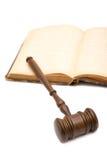 закон gavel книги Стоковые Изображения