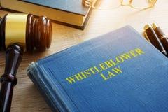 Закон Whistleblower на столе стоковые фотографии rf
