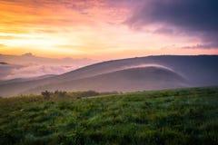 Закоптелый восход солнца 2 горы Стоковые Фотографии RF