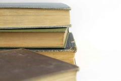 закреплять книг изолированный над белизной сбора винограда путя Стоковое Изображение