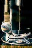 закрепляя изолированный сбор винограда путя машины Стоковые Изображения