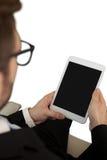 Закройте вверх бизнесмена используя планшет Стоковое Фото