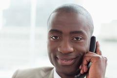 Закройте вверх бизнесмена на телефоне Стоковые Фотографии RF