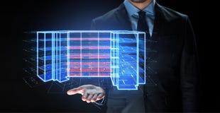 Закройте вверх бизнесмена с виртуальной проекцией стоковое изображение rf