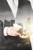 Закройте вверх бизнесмена с деньгами евро в бумажнике Стоковое Изображение RF
