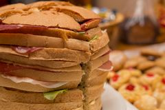 Закройте вверх большого сандвича Стоковое Фото