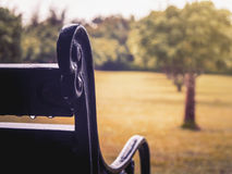 Закройте вверх винтажного стенда в саде стоковое фото