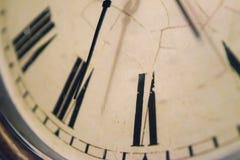 Закройте вверх винтажных часов Стоковая Фотография RF
