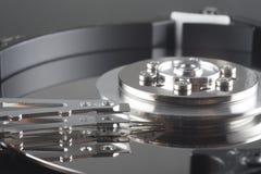Закройте вверх внутри трудного привода (HDD) с инструментом Стоковое Фото