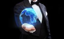 Закройте вверх волшебника с hologram земли Стоковая Фотография RF