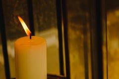 Закройте вверх горящего пламени свечи Стоковое Фото