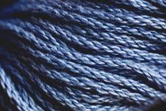 Закройте вверх голубого пасма пряжи Стоковая Фотография
