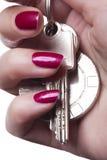 Закройте вверх деланных маникюр пальцев Стоковое Изображение RF