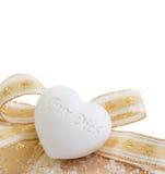 Закройте вверх золотой присутствующей коробки для рождества Стоковое Изображение