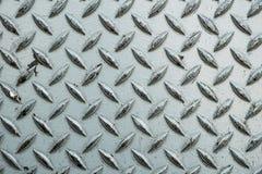 Закройте вверх используемого грубого стального листа с плитой pattern/me диаманта стоковые изображения rf