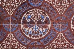 Закройте вверх коричневых и голубых чертежей на плитках для картины и предпосылки Стоковая Фотография