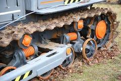 Закройте вверх колеса гусеничного трактора Стоковое фото RF