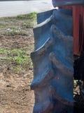 Закройте вверх колеса трактора Стоковое Изображение RF