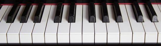 Закройте вверх клавиатуры рояля Стоковые Изображения
