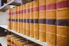 Закройте вверх много старой книги Стоковые Изображения RF