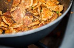 Закройте вверх мяса в лотке вка на уличном рынке Стоковая Фотография