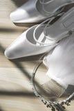 Закройте вверх невест Wedding крона, вуаль и белые clos свадьбы Стоковое Изображение