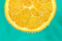 Tangerine в воде Стоковое Изображение