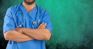 Закройте вверх оружий человека пересеченных медицинского персонала Стоковые Фотографии RF
