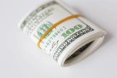 Закройте вверх пакета денег доллара связанного с резиной Стоковое Изображение RF