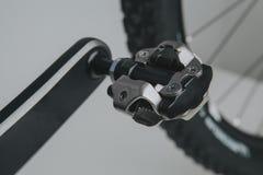 Закройте вверх педали велосипеда SPD стоковые фото