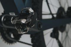Закройте вверх педали велосипеда SPD стоковая фотография rf