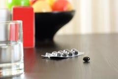 Закройте вверх пилюлек комплекса витамина Стоковые Изображения