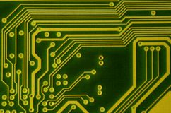 Закройте вверх покрашенной микро- монтажной платы абстрактная технология предпосылки Механизм компьютера подробно Стоковая Фотография RF