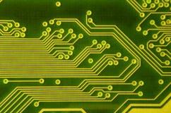Закройте вверх покрашенной микро- монтажной платы абстрактная технология предпосылки Механизм компьютера подробно Стоковое Изображение