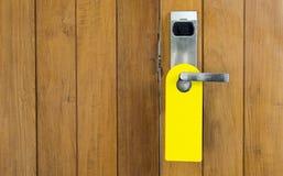 закройте вверх по бирке двери на гостинице двери ручки Стоковая Фотография RF