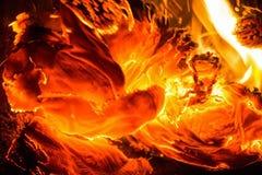 Закройте вверх по бумаге горя в пламени Стоковое фото RF