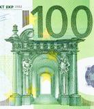 Закройте вверх по взгляду от 100 счетов евро Стоковые Фотографии RF