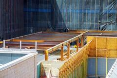 закройте вверх по взгляду подкрепления бетона при металлические стержни соединенные проводом Лить подготовки стоковые фотографии rf