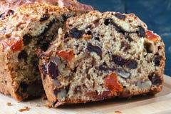 Закройте вверх по взгляду торта свежих фруктов, традиционному stollen Стоковое фото RF