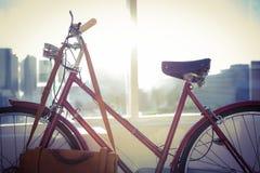 Закройте вверх по взгляду красного велосипеда Стоковые Изображения